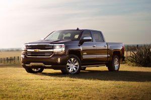 2016-Chevrolet-Silverado-High-Country-front-three-quarter1